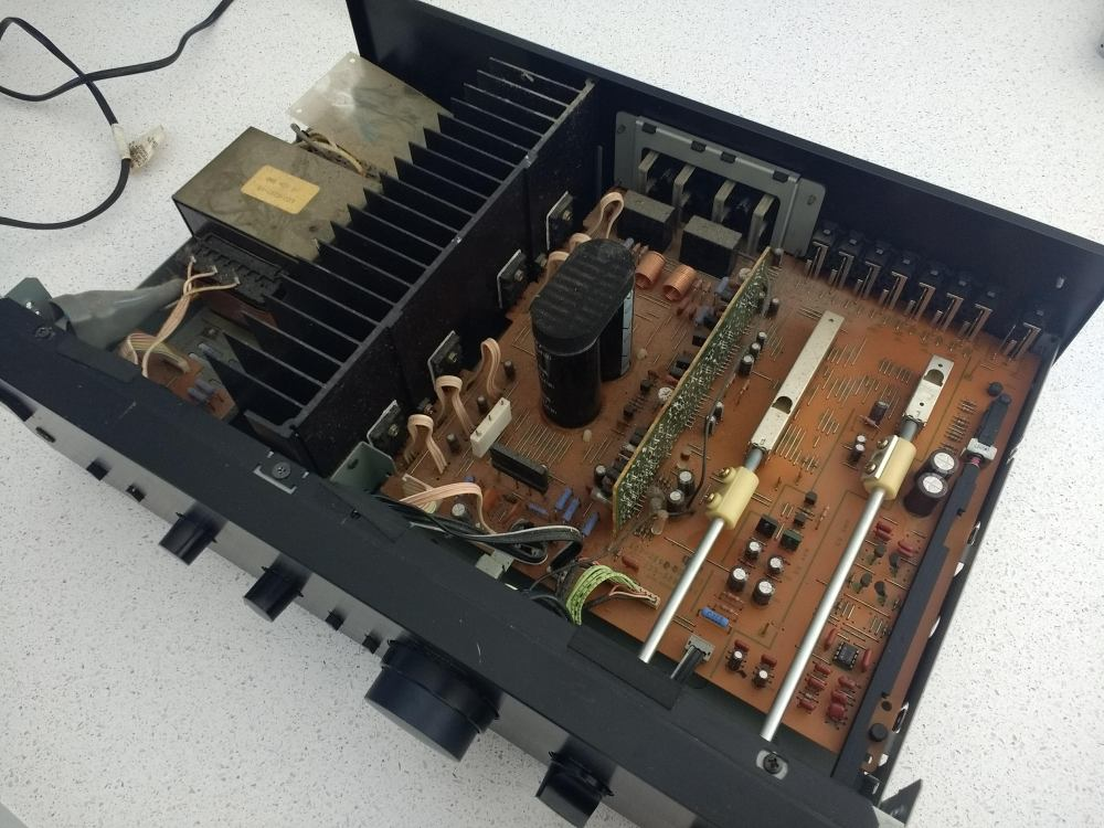 Making a DIY power supply from an old stereo amp – Ben James